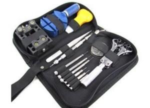 kit-attrezzi-orologiaio-orologio